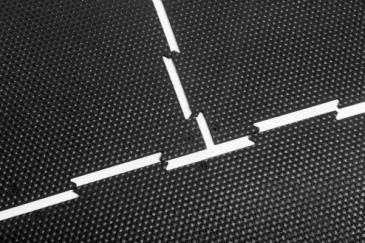 Размер покрытия подбирается индивидуально под размер решетки и помещения. Крепления в комплекте